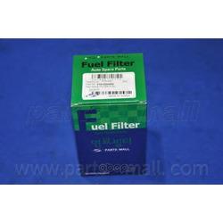 Топливный фильтр (Parts-Mall) PCA052