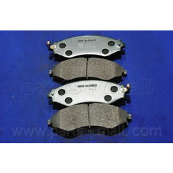 Комплект тормозных колодок (Parts-Mall) PKC008