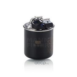 Топливный фильтр (MANN-FILTER) WK82015