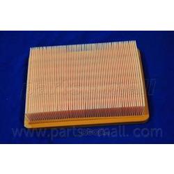 Воздушный фильтр (Parts-Mall) PAA024