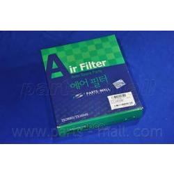 Воздушный фильтр (Parts-Mall) PAF099